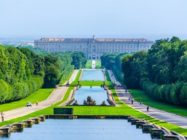 Parco reale di caserta monumento - Giardini reggia di caserta ...